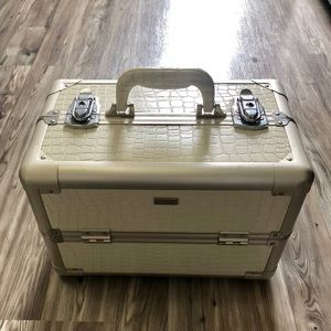 Large Professional Embossed Makeup Train Case